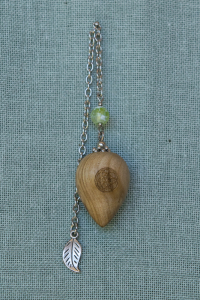 Hard Pear Pendulum with lime-green agate bead