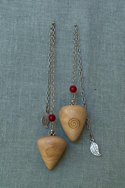Milkwood Pendulum with agate gem stone bead