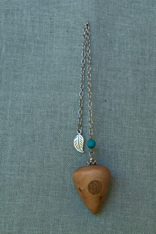 Sea Guarrie Pendulum with agate bead