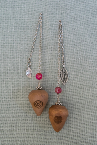 White Pear Pendulums with agate gem stone bead